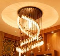 ST64 LED Filament Bulb - Gold / amber tint Vintage Light Bulb - Dimmable